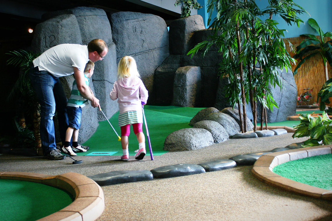 Adventure Island Mini Golf image of players